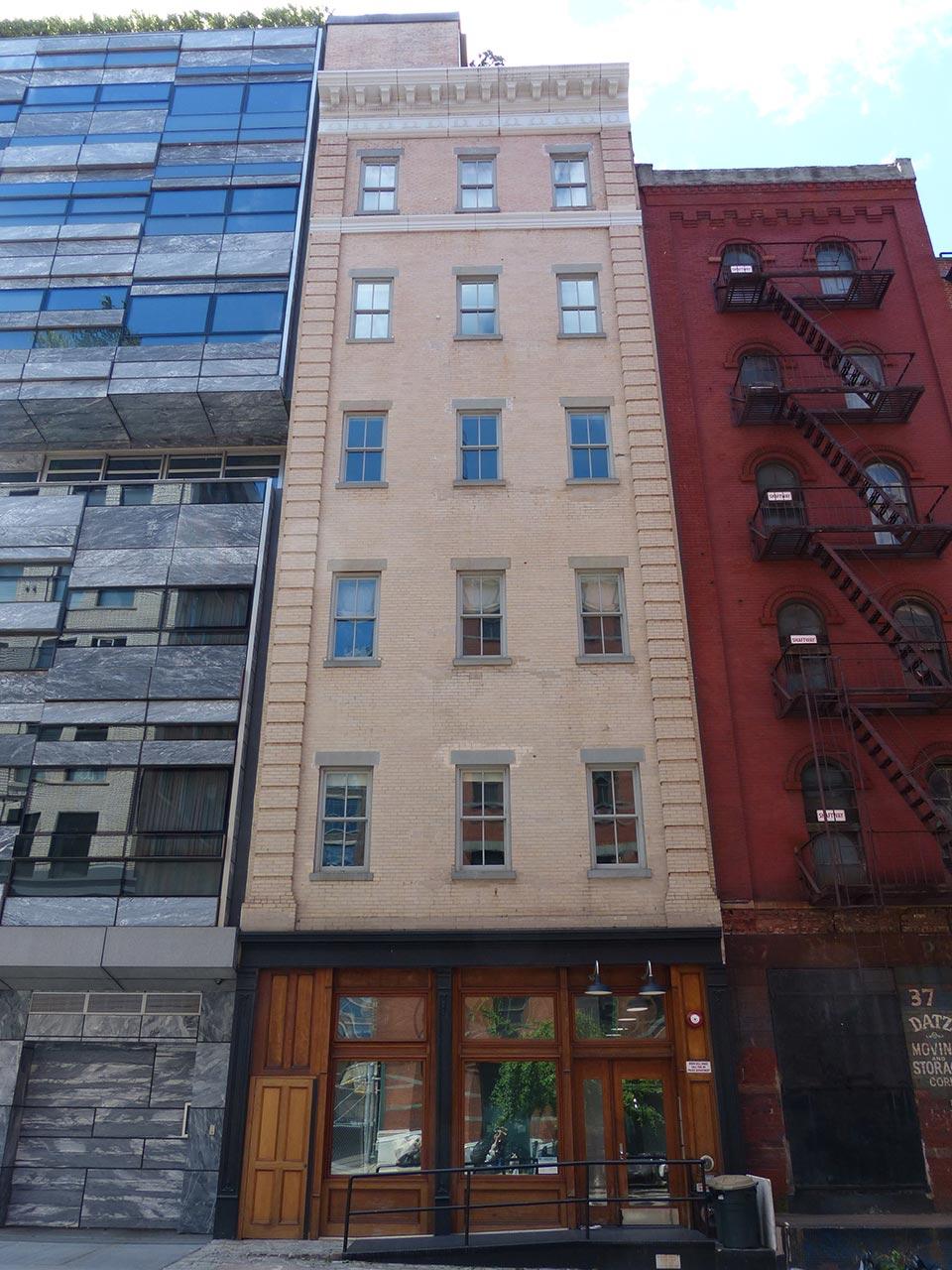 35 Vestry Street, Manhattan